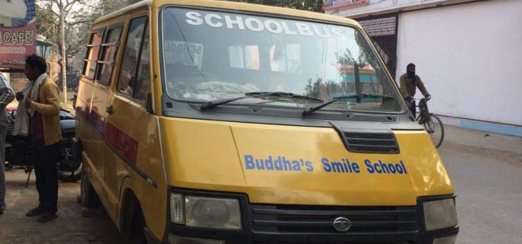 BNN/Vara donatie voor schoolbus